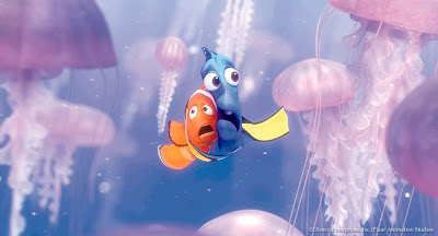 Scared Dory and Nemo with the jellyfish