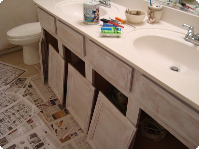 Painting bathroom cabinets decor to adore for Best latex paint for kitchen cabinets