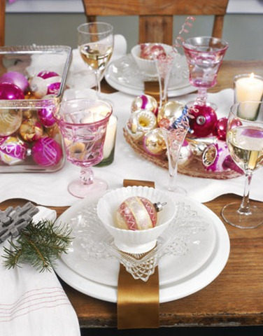 Pink Christmas Table