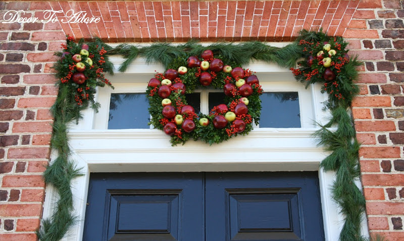 Colonial Williamsburg wreath Governors Palace