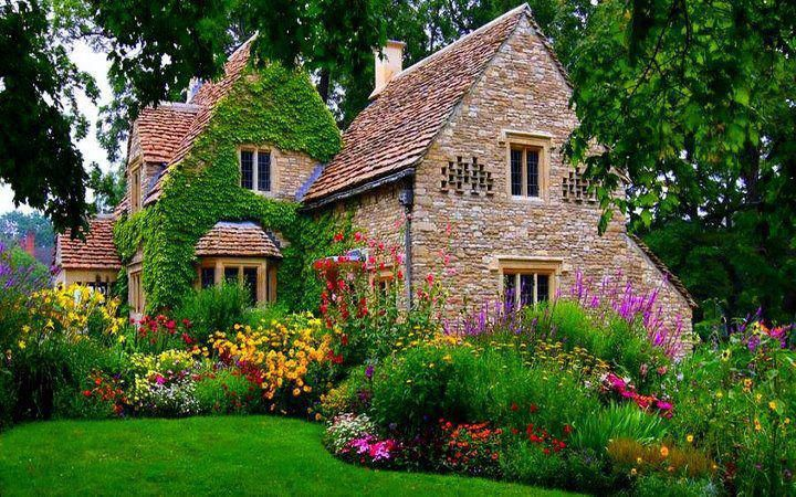 Beautiful Cottage & Garden