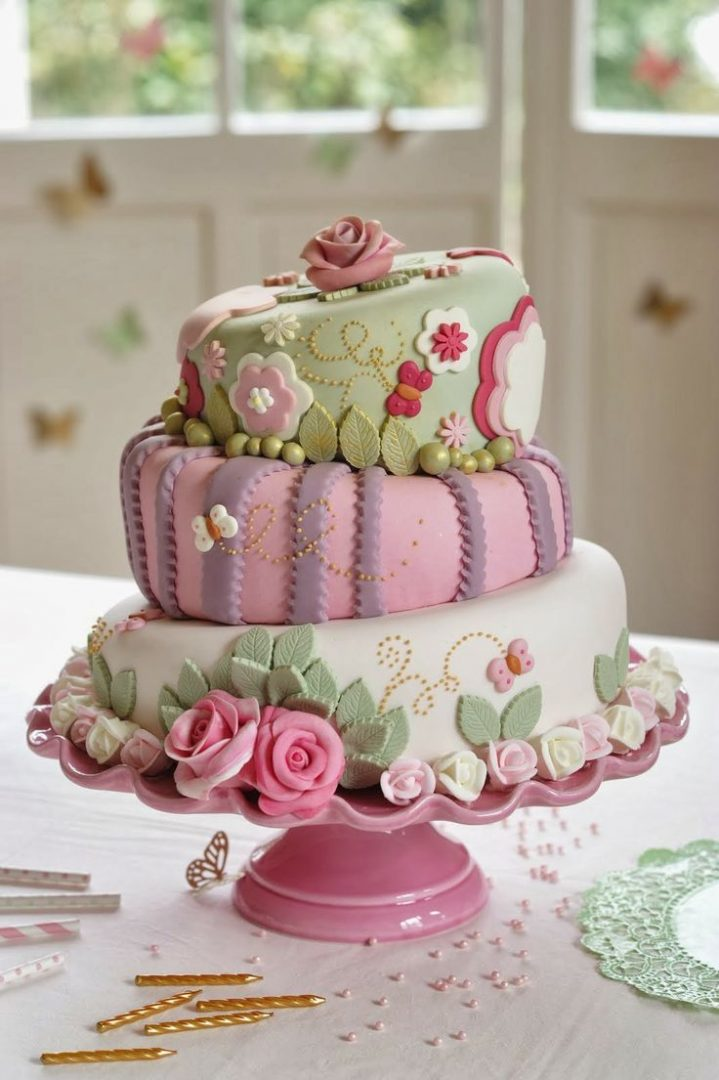 Lakeland love this cake, made with our Topsy Turvy Cake Tins!