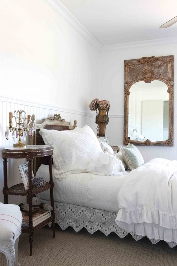 How to Create a Cottage Bedroom: Cottage Decorating Ideas: