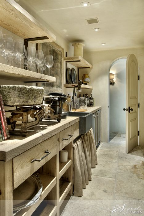 wow~ rustic ~ this is a 'wet bar'/butler's pantry with a whole lot of character ❀  'eleanor cummings design ~ 'murphy mears architects' & builder 'allan edwards'  ❀ ~  ◊  photo from 'segreto' via 'veranda magazine':