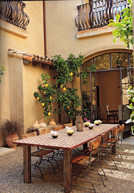 Under the Tuscan Sun: 30 Outdoor Dining in Tuscany | http://www.designrulz.com/design/2015/04/under-the-tuscan-sun-30-outdoor-dining-in-tuscany/: