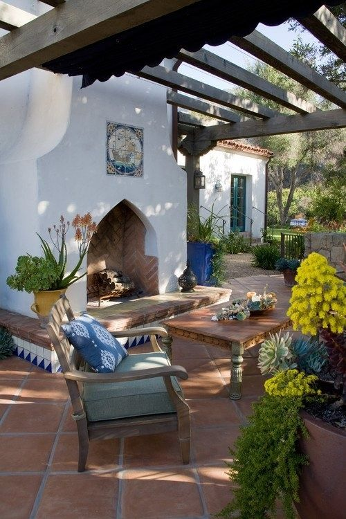 How to Give Your Home a Vintage Holiday Feel and the Look of a Spanish Eclectic Villa: