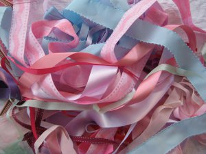 Friday Freebie My name is Laura and I'm a Ribbon A Holic