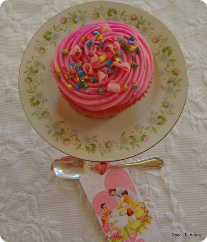 Friday Freebie Cupcake Pedestals