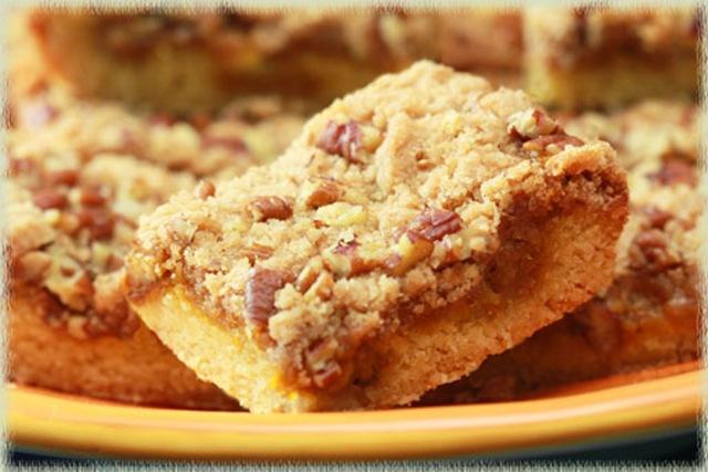pumpkin-butter-pecan-dessert-bars