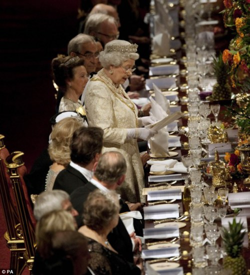 The Queen delivers a speech before the banquet
