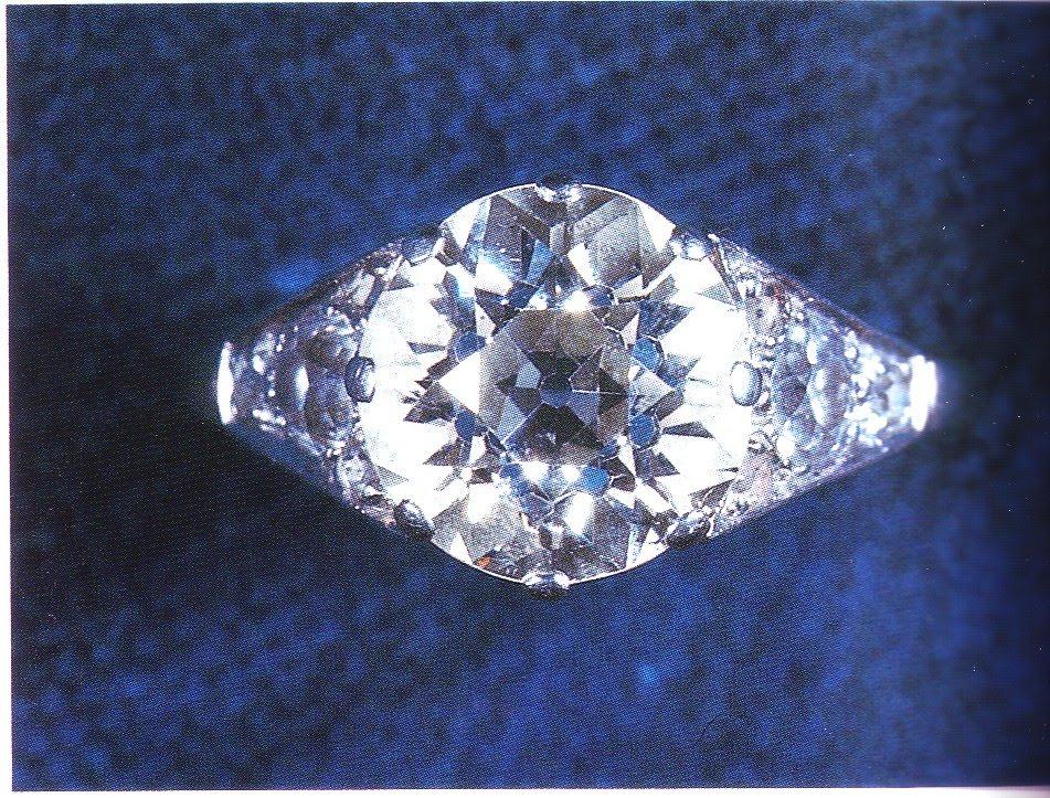 Queen Elizabeth engagement ring