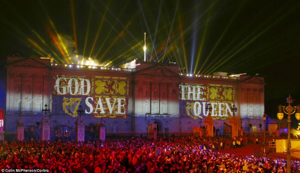 God Save the Queen: Words projected onto the facade of Buckingham Palace at the end of the