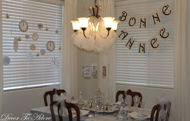 bonne annee table decor