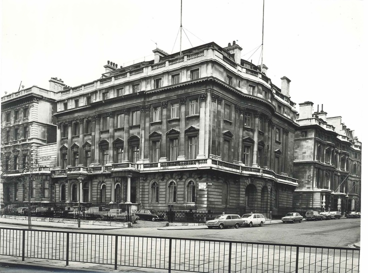 145 Piccadilly suffered the same  fate as many in London during the  war, being destroyed in the blitz.