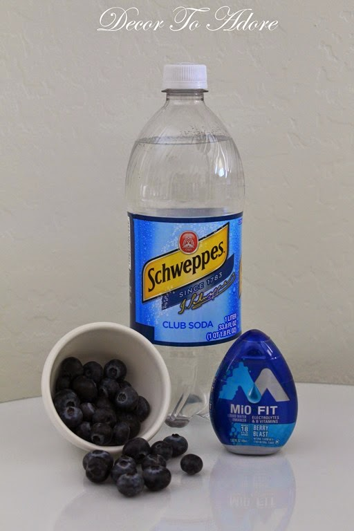 Easy and Refreshing Blueberry Spritzers