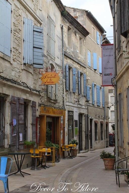 Strolling Thru Saint-Rémy