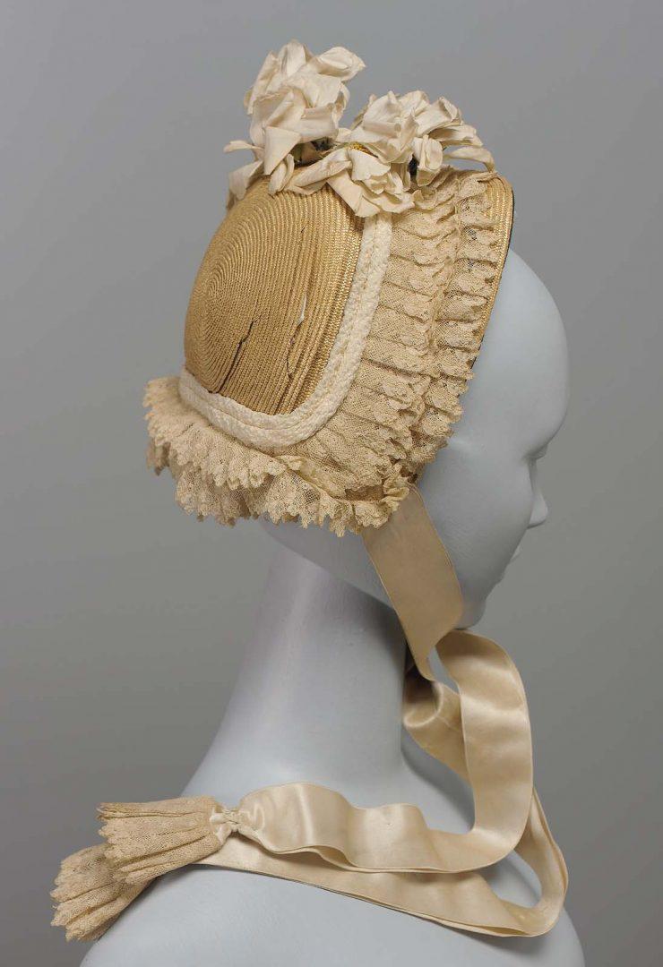 Ivory bonnet