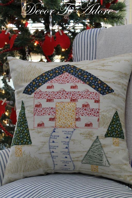 Little house pillows