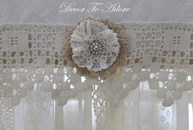 Decor To Adore Valentine's broach