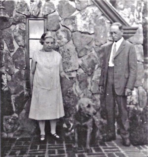 Laura Ingalls Wilder and Almanzo Wilder, Wilder dog at the Rock House.