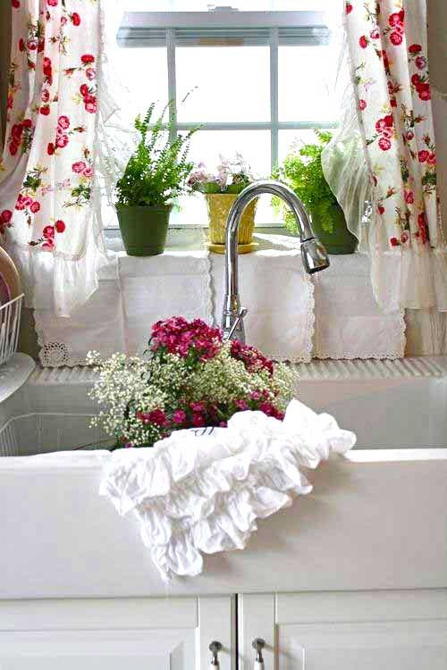Floral Cottage Curtains For The Kitchen Decor To Adore