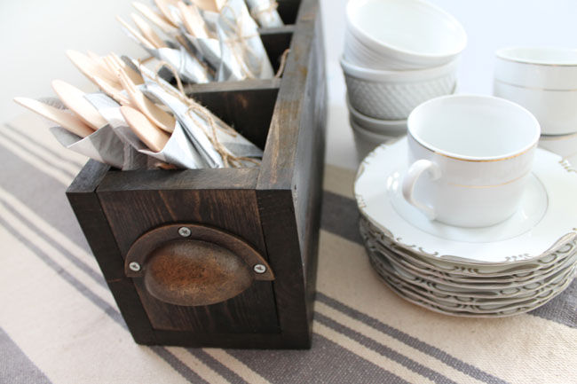 Style Your Silverware Caddy