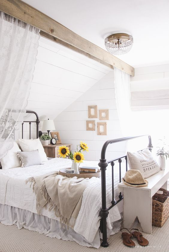 New home? Feel like you need to revamp your bedroom? These 20 Master Bedroom Decor Ideas will give you all the inspiration you need! Come and check them out: