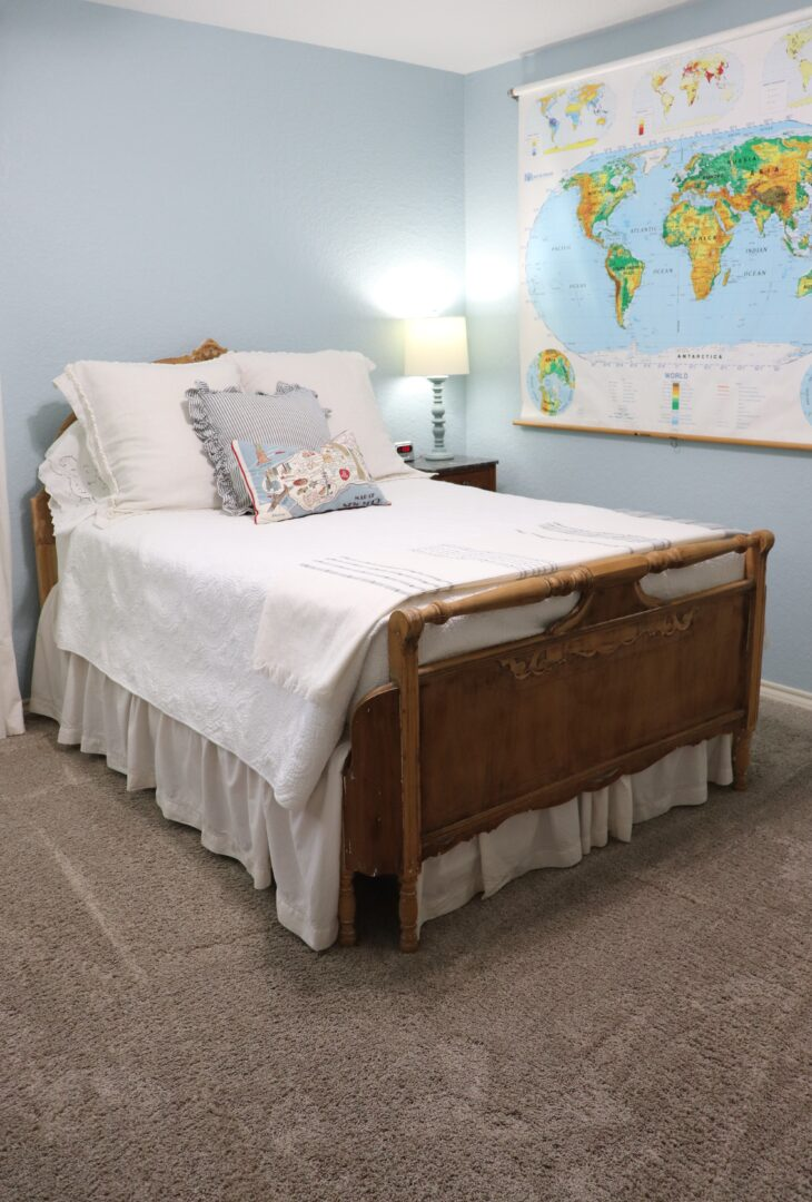 Travel Themed Guest Bedroom Decor To Adore